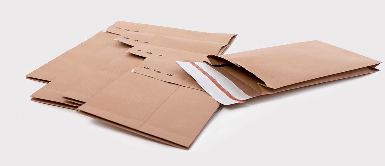 Retourentaschen aus Kraftpapier